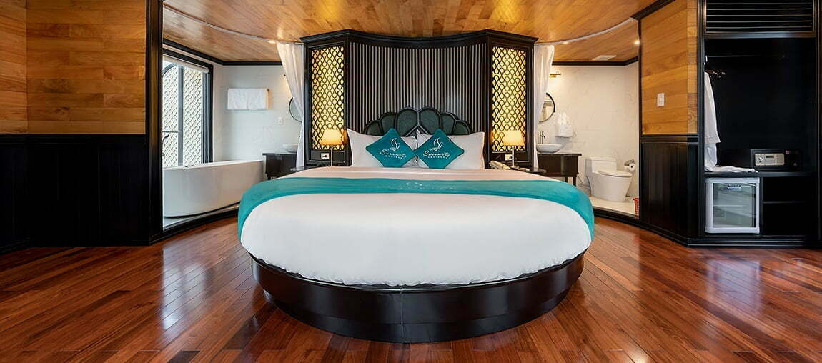 Moon Suite Cabin - Serenity Cruises