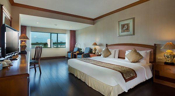Khách sạn Ha Long Plaza