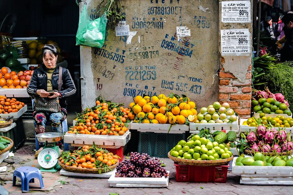 The fruit lady | Cre: Nguey Huynh Mai